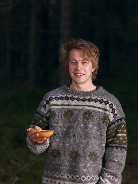 Emil Nyström fotograf Umeå sweden portrait lemmelkaffe skogen reklam porträtt